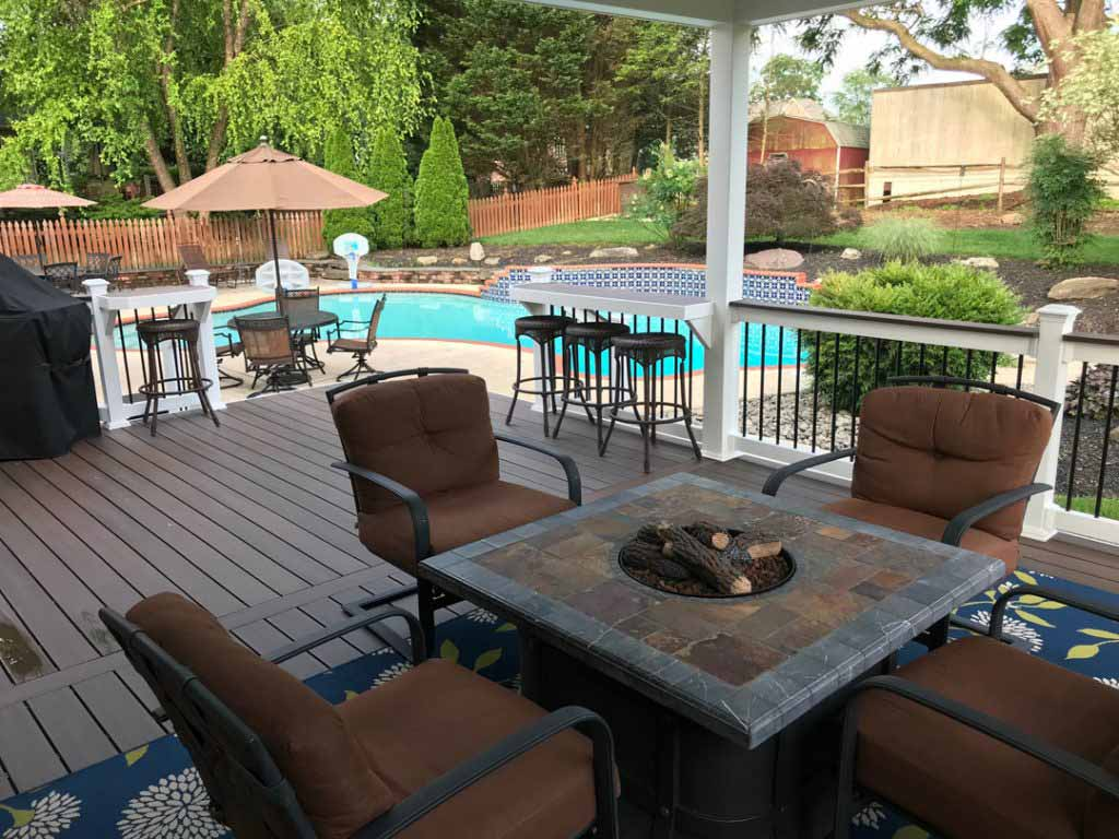 Baltimore deck with firepit