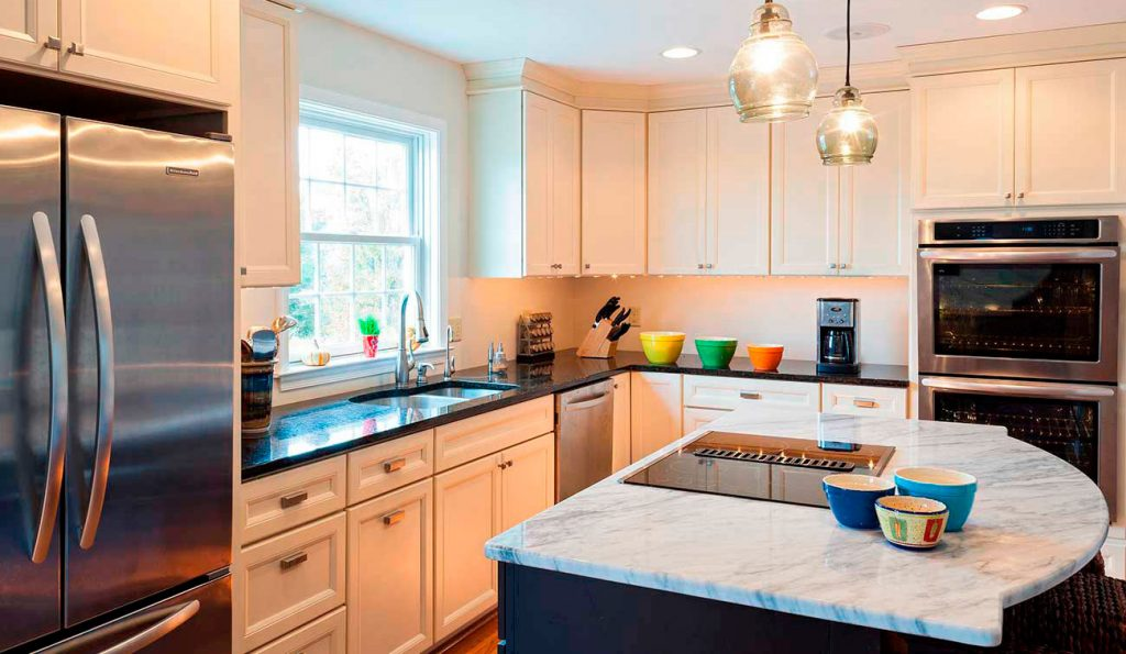 Kitchen remodeling with design/build remodel