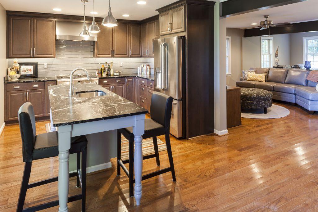 Roomy Kitchen with Island Bar